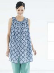 ネイビー 【洗える】クールボーダーアイレット刺繍ブラウス GIANNI LO GIUDICE○NGBFE04250