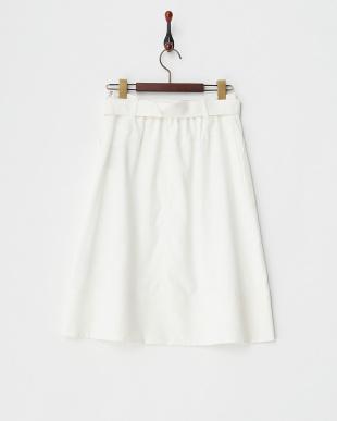 2 ホワイト ベルト付き台形スカートを見る