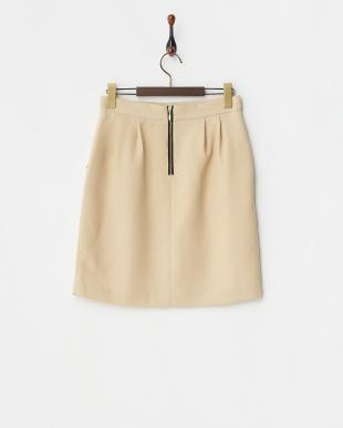 051 ベージュタックコクーンスカートを見る