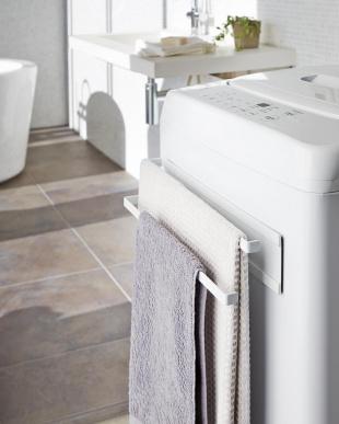 WH ホワイト 洗濯機横マグネットタオルハンガー2段 プレートを見る
