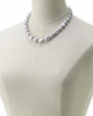 シルバーグレー 淡水バロックパール 1連ネックレスを見る