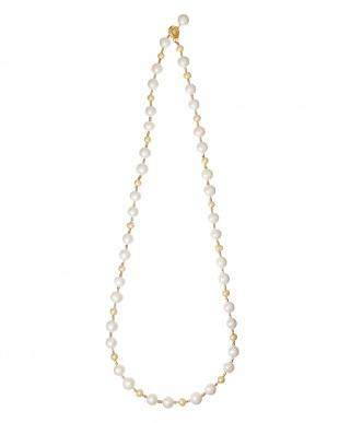 ホワイト×ゴールド パール&ビーズミックスネックレスを見る