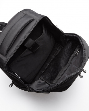 09 BLACK LEVARA BACKPACK 03C見る