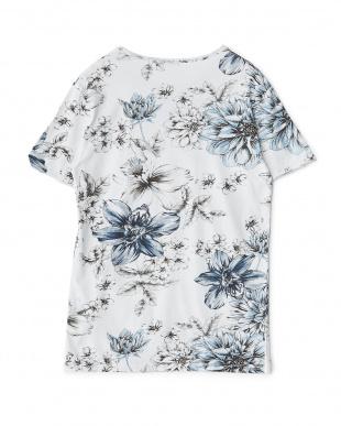 ブルーフラワー フラワー柄イラストTシャツを見る