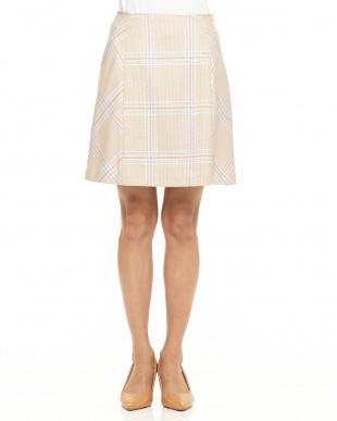 ベージュ チェック台形スカート見る