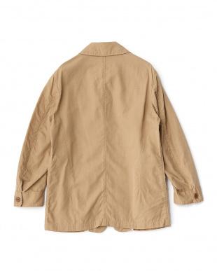 ベージュ リネン混7スリーブ型ジャケットを見る