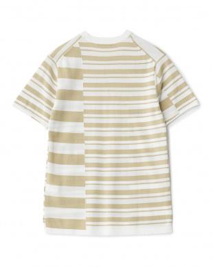 ベージュ クレイジーボーダーニットTシャツを見る