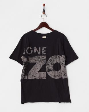 ブラック ビッグロゴ UネックTシャツを見る