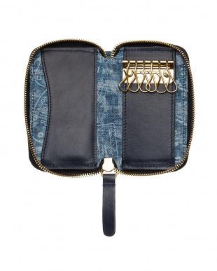 BLUE パスポートデニム ジップ6連キーケースを見る