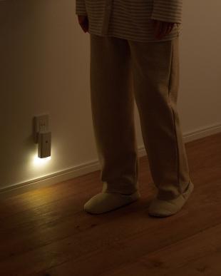 ホワイト 停電センサーLEDサーチライト/ナイトライト付見る