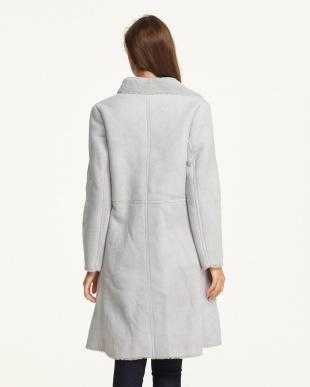 グレー コートを見る
