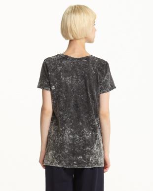 グレー デザインプリント斑調Tシャツを見る