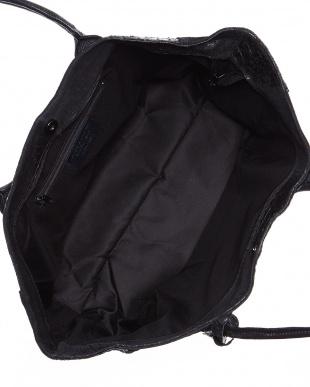 ブラック クロコ型押し横長トートバッグを見る
