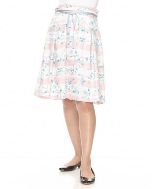 ピンク 花柄パネルボーダーフレアースカートを見る