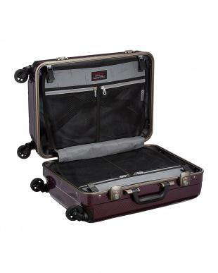 パールカーボン BE Narrow フレームスーツケース31Lを見る