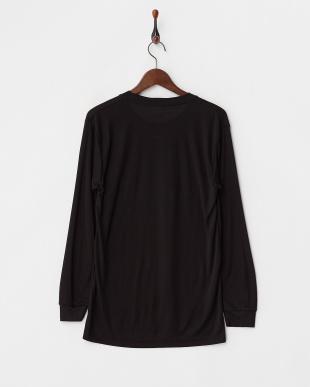BLACK 蓄暖クルーネック長袖Tシャツを見る