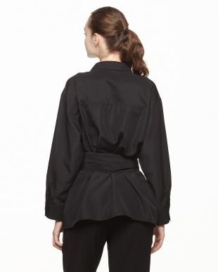 ブラック リングベルト シャツを見る