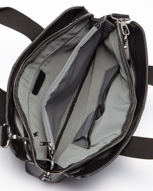 ブラック レザーブリーフバッグを見る