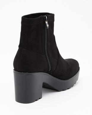 BLACK 厚底スエード調ブーツ見る
