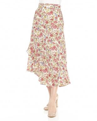 ブラック系 レトロ花裾切り替えスカートを見る