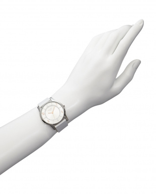 シルバー×ホワイト ラウンド 薄型レザーウォッチ|UNISEX見る