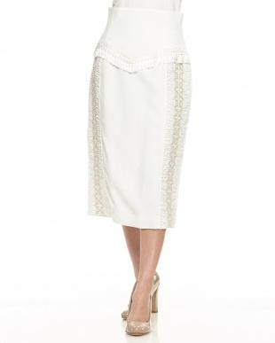 ホワイト スモッキングタイトスカートを見る