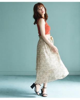 オフホワイト ヴィンテージ風・小花柄アシンメトリースカートを見る