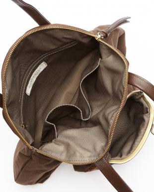 ブラウン がま口ポケットトートバッグを見る