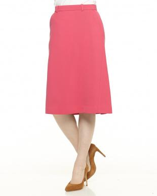 ピンク系 バックデザインスカートを見る