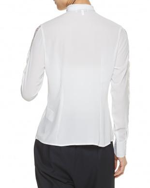 白 ホワイト レースコンビボウタイシャツを見る