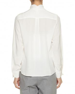 ホワイト ポイントレースシルクシャツを見る