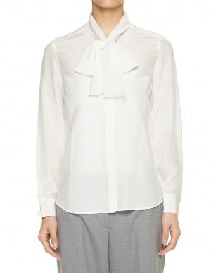 ライトブルー ポイントレースシルクシャツを見る