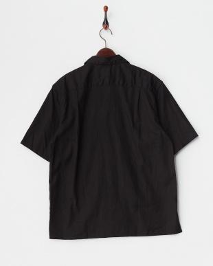 ブラック コットンリネンオープンカラーシャツを見る