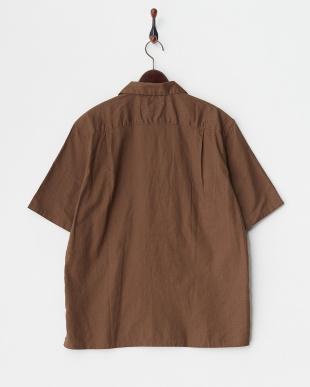 キャメル コットンリネンオープンカラーシャツを見る