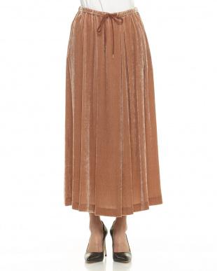 ピンクベージュ シルクレーヨンベルベットスカートを見る