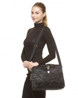 ブラック 横型2WAYバッグ|WOMENを見る