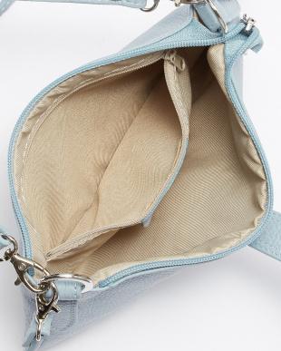 L.BLUE D金具付ミニバッグを見る