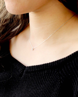 K18WG 天然ダイヤモンド 0.1ct 6本爪ネックレスを見る