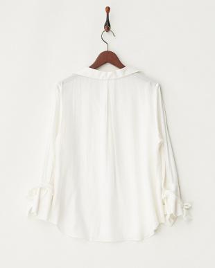 オフホワイト オフホワイト カフスリボンスキッパーシャツ見る