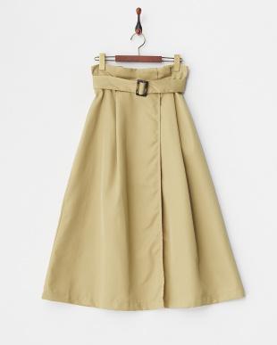 ベージュ ベルト付きタックロングスカート見る