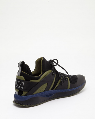 PUMA BLACK-OLIVE NIGHT TSUGI BLAZE STAPLEを見る