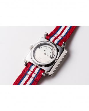 レッド APR スクエア腕時計|UNISEX見る