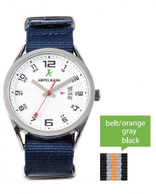 ホワイト ASC ラウンド腕時計|UNISEX見る