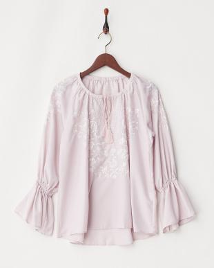 ピンク 刺繍プルオーバーを見る