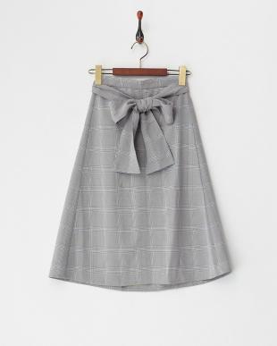 グレー リボンベルト付きスカート見る