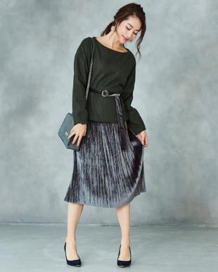 ブラック ベルト付きベロアプリーツスカート見る