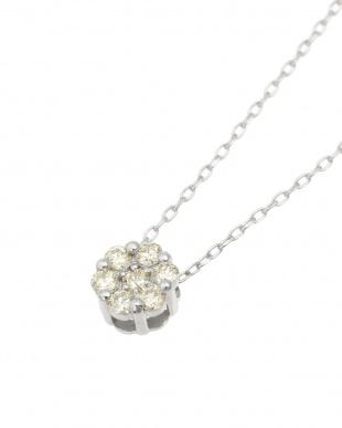 K18WG 天然ダイヤモンド 0.1ct セブンストーンペンダントを見る