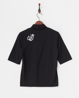 ブラック ストレッチチュールネック半袖シャツを見る