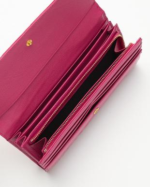 ピンク エナメルクロコダイル フラップ長財布を見る