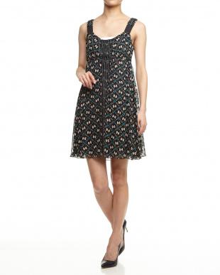 BLACK ラメドット バタフライ柄ドレスを見る